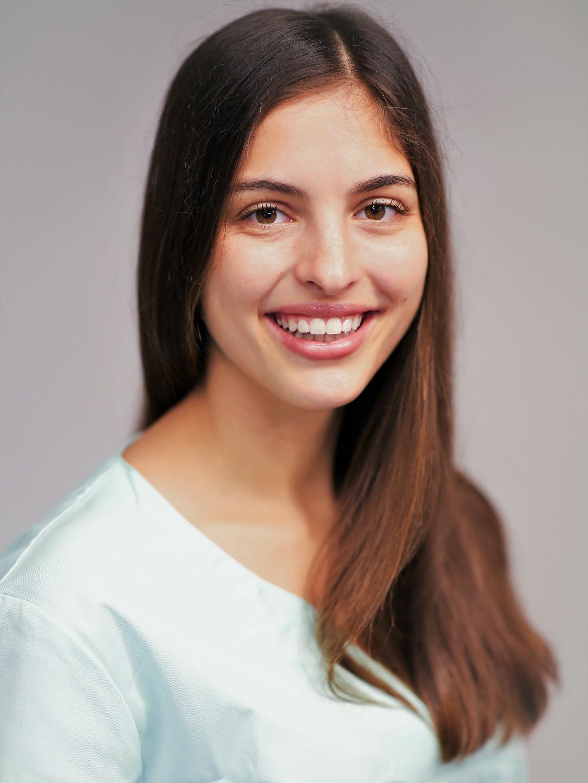 Valérie Baumgartner, Hormoncoach und ganzheitliche Ernährungsberaterin