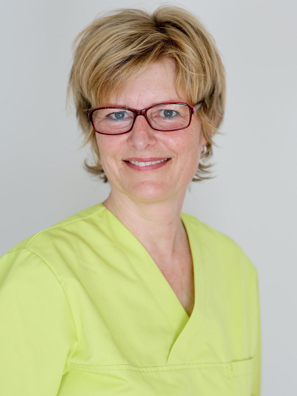 Monika Kunz, Medizinisch-Technische Praxisassistentin